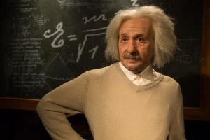 Albert-Einstein-chalkboards-_281476-34