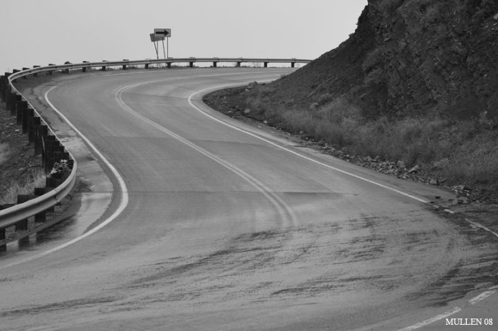 S_bend_in_the_road_raining-746073