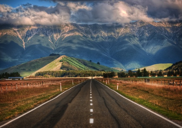 The-Long-Road-in-NZ-M
