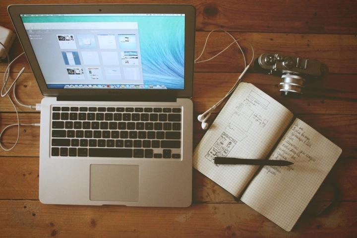 laptop-notebook-writing