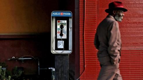 la-me-c1-1124-pay-phones-pictures