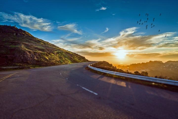 winding-road-1556177_1280