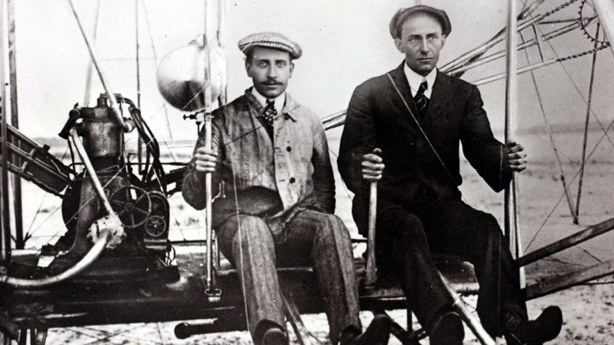 Wright-Brothers-Piloting