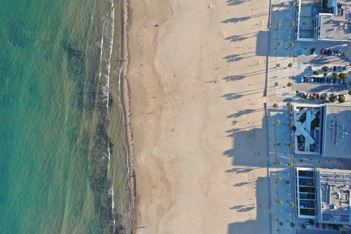 beach-4816249_1280